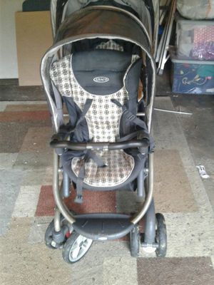 Graco double stroller for Sale in Downers Grove, IL