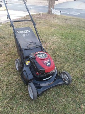 Craftsman lawn mower with bag runs great for Sale in Riverside, CA