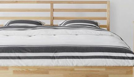 Queen Sized Tarva Bed frame for Sale in Tualatin,  OR