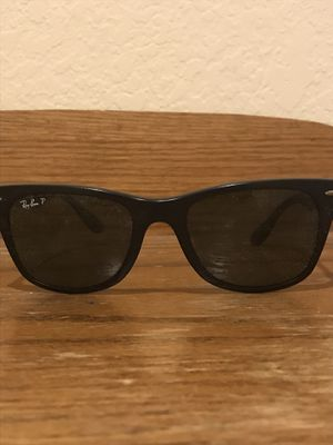 Rayban wayfarer polarized sunglasses matte frame for Sale in Dana Point, CA