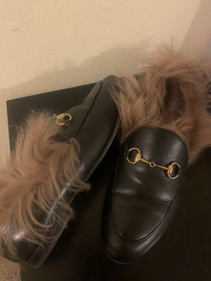 Real Gucci loafer with fur, women's size 38 1/2, $650, box included w Neiman Marcus box receipt for Sale in San Francisco, CA