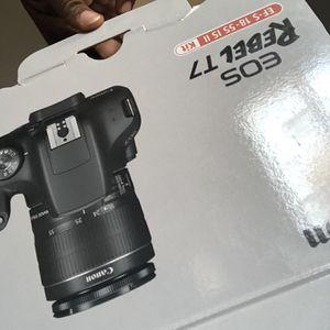 Canon T7 Rebel for Sale in Perris, CA