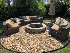 Frontgate Circular 5 piece outdoor set. for Sale in Jupiter, FL