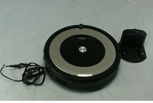 iRobot Roomba 891 Robot Vacuum WiFi Alexa Capable Carpets & Hard Floors Black for Sale in Tampa, FL