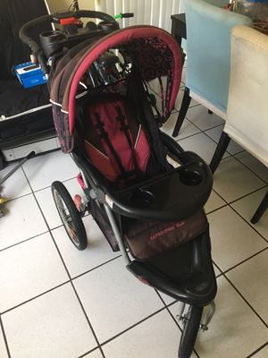 Baby stroller for Sale in North Miami, FL