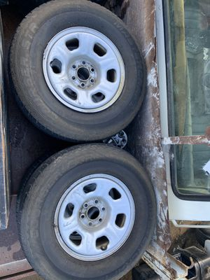 2006-Nissan Frontier rims, caps and tires for Sale in Los Angeles, CA