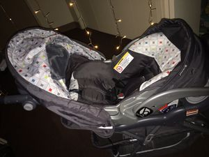 Baby trend Travel System/ Target/ Walmart for Sale in Los Angeles, CA