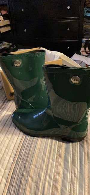 Ugg rain boots/ 🛑PLEASE DONT ASK TO TRADE🛑 for Sale in Chicago, IL