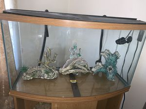 70 Gallons Fish Tank with Stand, decoration, filter, light with remote control, and two air pumps. for Sale in El Cajon, CA