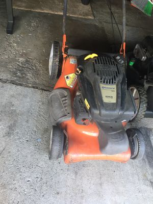 Husquvarna self propelled lawn mower for Sale in Roseville, MI