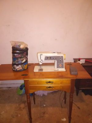 Sewing machine for Sale in Knoxville, TN