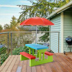 4 Seät Kids Pîcnic Täble w/Umbrella for Sale in Sylmar,  CA