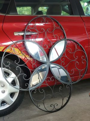 Large ,METAL AND MIRROR WALL DECOR for Sale in Pasadena, TX