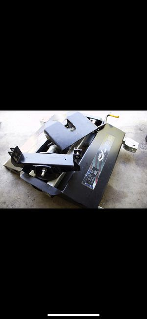 PULLRITE Traditional Series #3100 SuperGlide 5th Wheel Truck Hitch for Sale in Modesto, CA