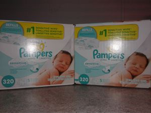 Pampers sensitive wipes 320 ct for Sale in Amherst, OH