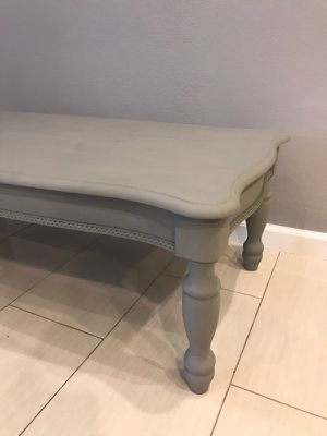 Wooden vintage coffee table in a gray color, distres paint, beautiful and elegant with a unique design 47×23 h 16 for Sale in Los Angeles, CA