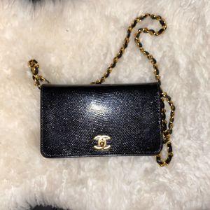 Authentic CHANEL Black Lizard Flap Bag for Sale in Dallas, TX