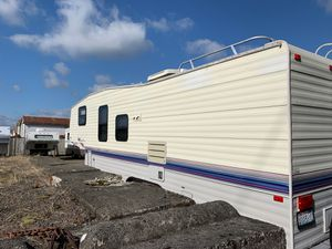 94 fifth wheel trailer for Sale in Enumclaw, WA