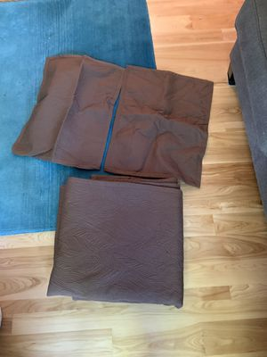 Full/Queen brown Tommy Bahama coverlet/blanket for Sale in Kimberly, WI