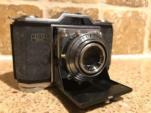 Antique Zeiss Contina Film Camera for Sale in Brooklyn, NY