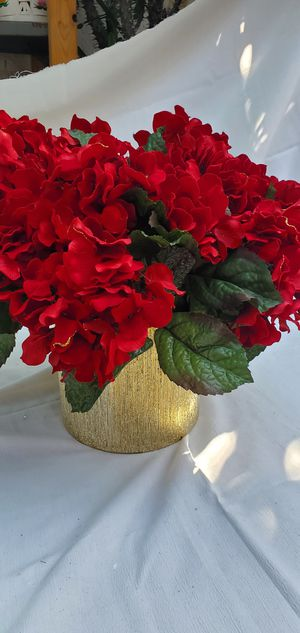Artificial flowers in vase for Sale in Orange, CA