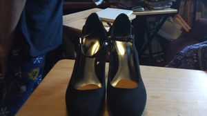 Style&Co size 7? (Not sure) like new, barely worn(twice indoors) black suede high heels/ they're adorable! for Sale in Mountlake Terrace, WA