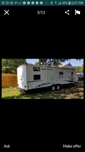2006 31 foot zipline by Keystone camper excellent condition everything works clean title 5500 OBO located in Glen Burnie Maryland for Sale in Severn, MD
