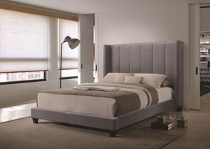 Full size grey velvet bed for Sale in Los Angeles, CA