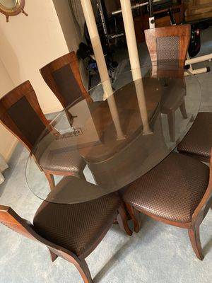 Bassett Dining Table and 6 Chairs for Sale in Missouri City, TX