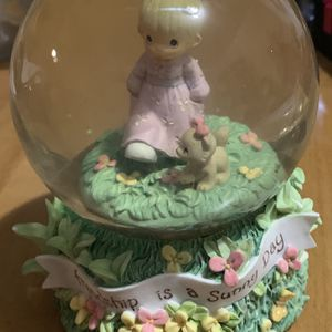 "2000 PRECIOUS MOMENTS -""FRIENDSHIP IS A SUNNY DAY"" MUSICAL WATER GLOBE for Sale in Pompano Beach, FL"
