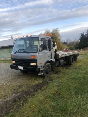 1991 Nissan UD2000 Roll back for Sale in Mill Creek, WA