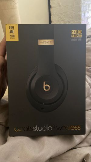 Beats studio3 wireless for Sale in Cleveland, OH