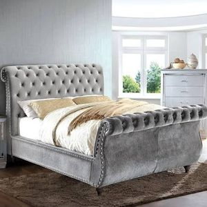 Grey queen sleigh bed 🎈🎈🎈🎈🎈 for Sale in Fresno, CA
