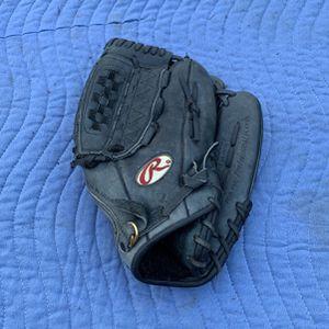 Baseball Mitt for Sale in Bellevue, WA