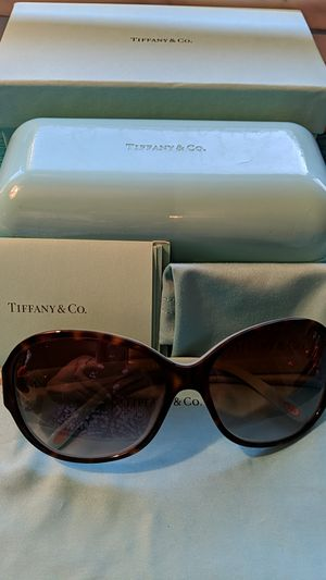 Tiffany Sunglasses TF 4068B Brown & Blue for Sale in McKeesport, PA