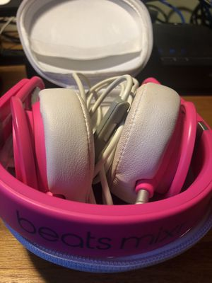 Beats Mixr pink with case and cables for Sale in San Antonio, TX