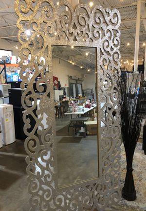 Super pretty mirror for Sale in Dallas, TX