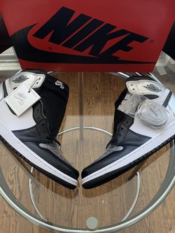 Air Jordan 1 Retro High OG ( Silver Toe ) for Sale in Chicago,  IL