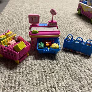 Shopkins Cash Register Collection (shopping cart included) for Sale in Tabernacle, NJ
