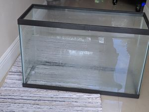 Aquarium 29 gallon (lights and filter included) for Sale in Miramar, FL