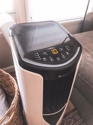 Gree Portable 3 in 1 Air Conditioner!! for Sale in Los Angeles, CA