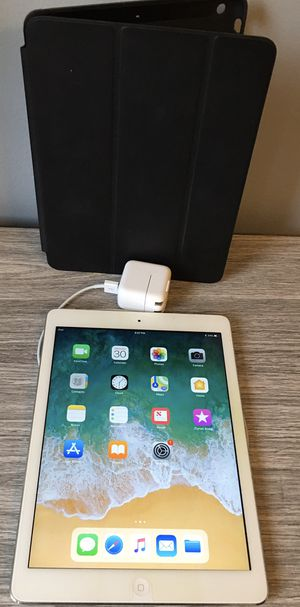 Apple iPad Air 128 Gig With Black Case for Sale in Sycamore, IL