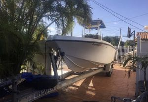 21 ft MAKO OPENFISH BOAT for Sale in Miami, FL