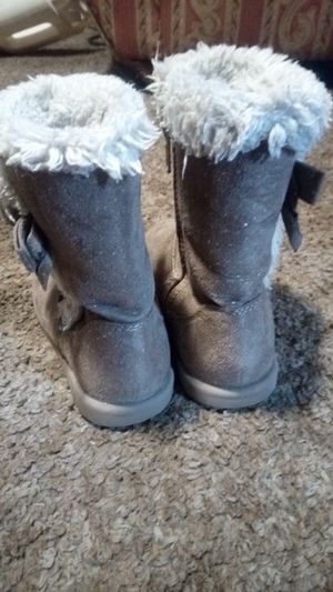 Little girls winter boots for Sale in Wichita, KS