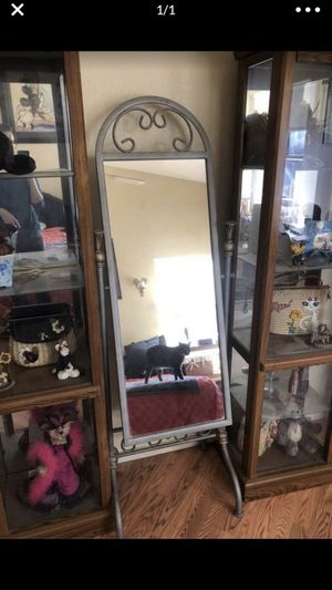 Silver framed standing mirror for Sale in Goodyear, AZ