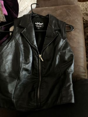 Women's leather vest motorcycle size med very nice for Sale in Gresham, OR
