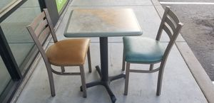 SET OF TABLE AND CHAIRS. SET DE MESA Y SILLAS for Sale in Mesa, AZ
