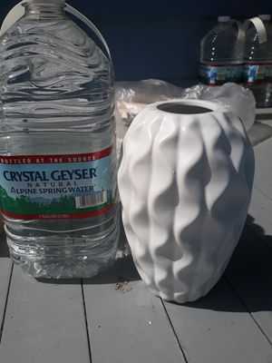 Thick ceramic flower vase/planter for Sale in Portsmouth, VA