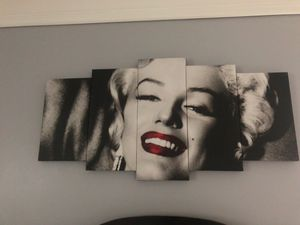 Marilyn Monroe Canvas PERFECT CONDITION for Sale in Dearborn, MI