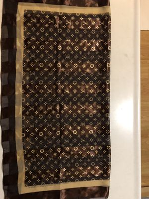 Louis Vuitton Monogram Silk Scarf Rare Brown & Tan Unique Beautiful!! for Sale in Long Beach, CA